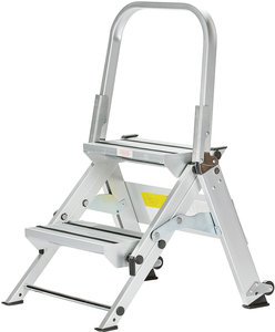 2 Step 18 Quot Lightweight Aluminum Folding Step Stool With